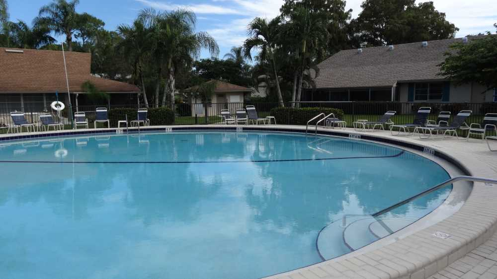 9-Pool-Areas-Lanai-Bild-02.jpg