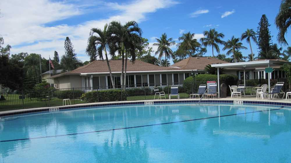9-Pool-Areas-Lanai-Bild-03.jpg